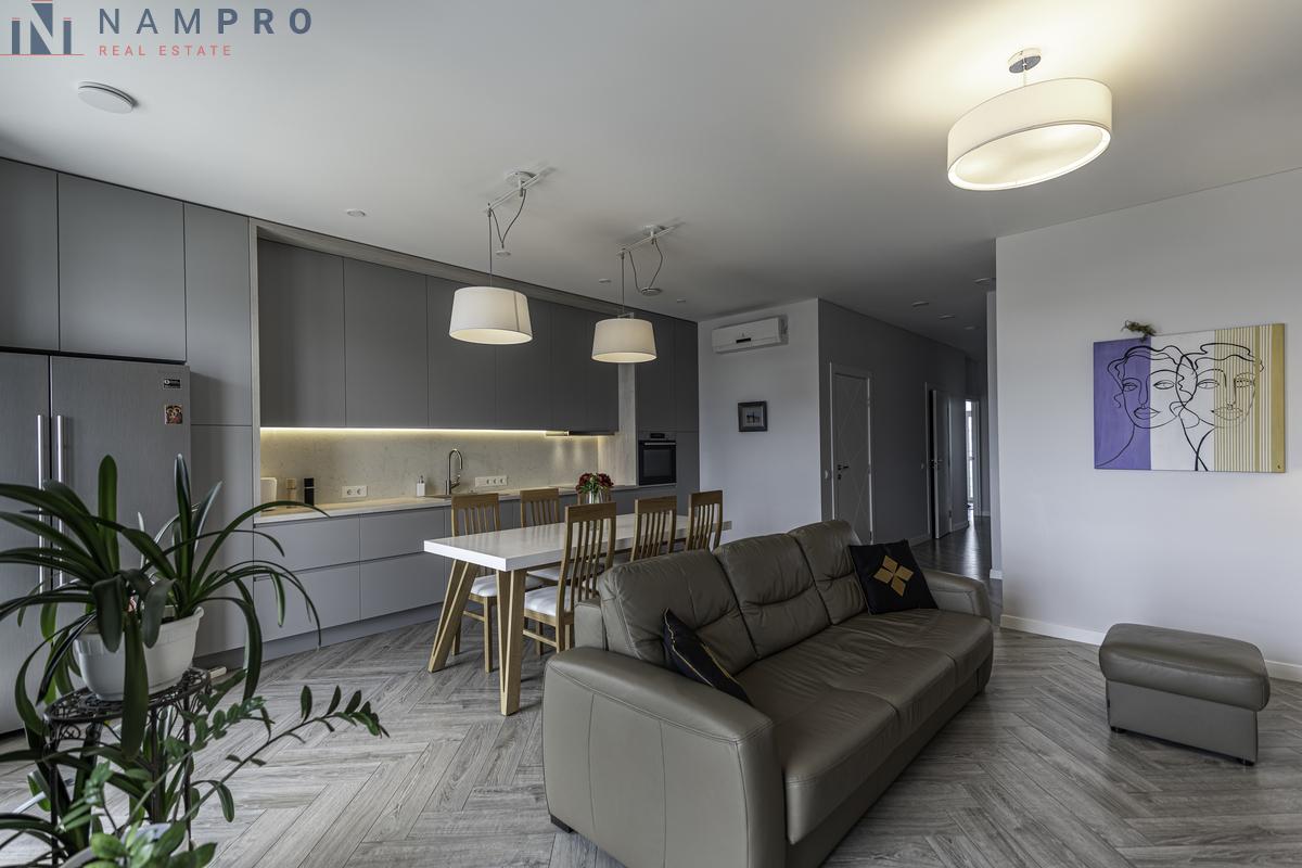 Parduodamas butas Žalgirio g. 106A, Šnipiškėse, Vilniuje, 84.18 kv.m ploto, 3 kambariai