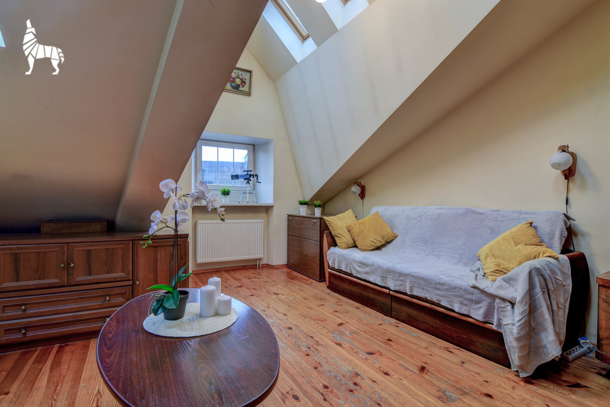 Nuomojamas butas J. Savickio g., Senamiestyje, Vilniuje, 37 kv.m ploto, 2 kambariai - <strong>399 €