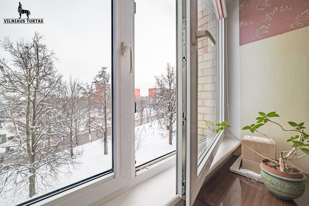 Parduodamas butas Brolių g. Brolių 9-34, Naujininkuose, Vilniuje, 39.82 kv.m ploto, 2 kambariai - <strong></noscript><img class=