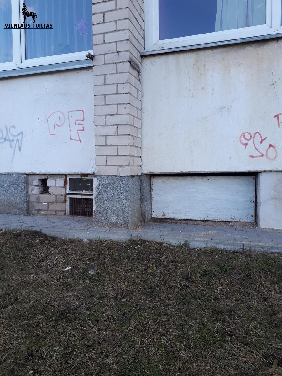 Parduodamos patalpos Vilniaus g. 57, Grigiškėse, Vilniuje, 164 kv.m ploto - <strong></noscript><img class=